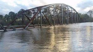 flood_Sabine river bridge